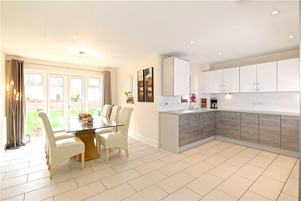 4 Bedrooms Detached House for sale in School Lane, Hartwell, Northamptonshire