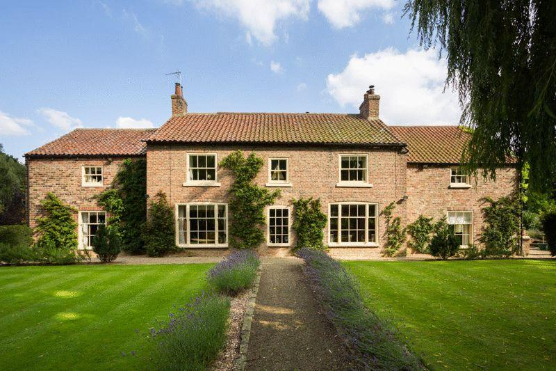 5 Bedrooms Detached House for sale in Middle Park House and Ivy Cottage, Sowerby, Thirsk