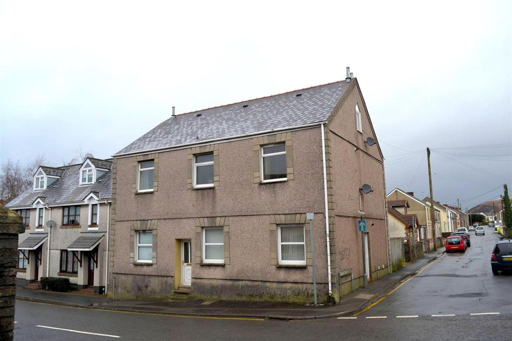 1 Bedroom Block Of Apartments Flat for sale in St. Teilo Street, Pontarddulais, Swansea