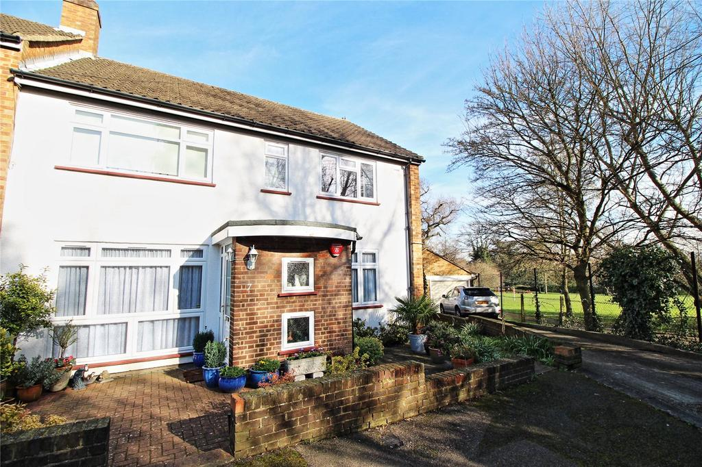 2 Bedrooms Maisonette Flat for sale in Stangate Gardens, Stanmore, Middlesex, HA7