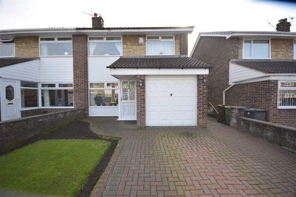 3 Bedrooms Semi Detached House for sale in Fulbeck Avenue, Marus Bridge, Wigan, WN3