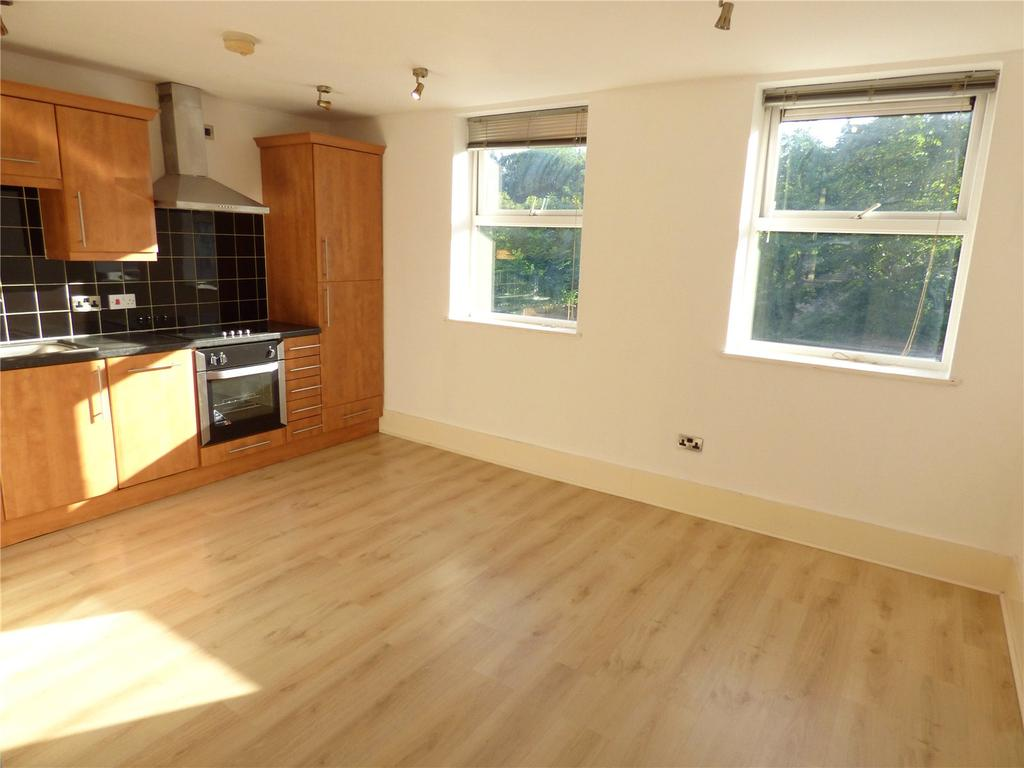 2 Bedrooms Apartment Flat for sale in Cross Lane Court, Cross Crown Street, Cleckheaton, West Yorkshire, BD19