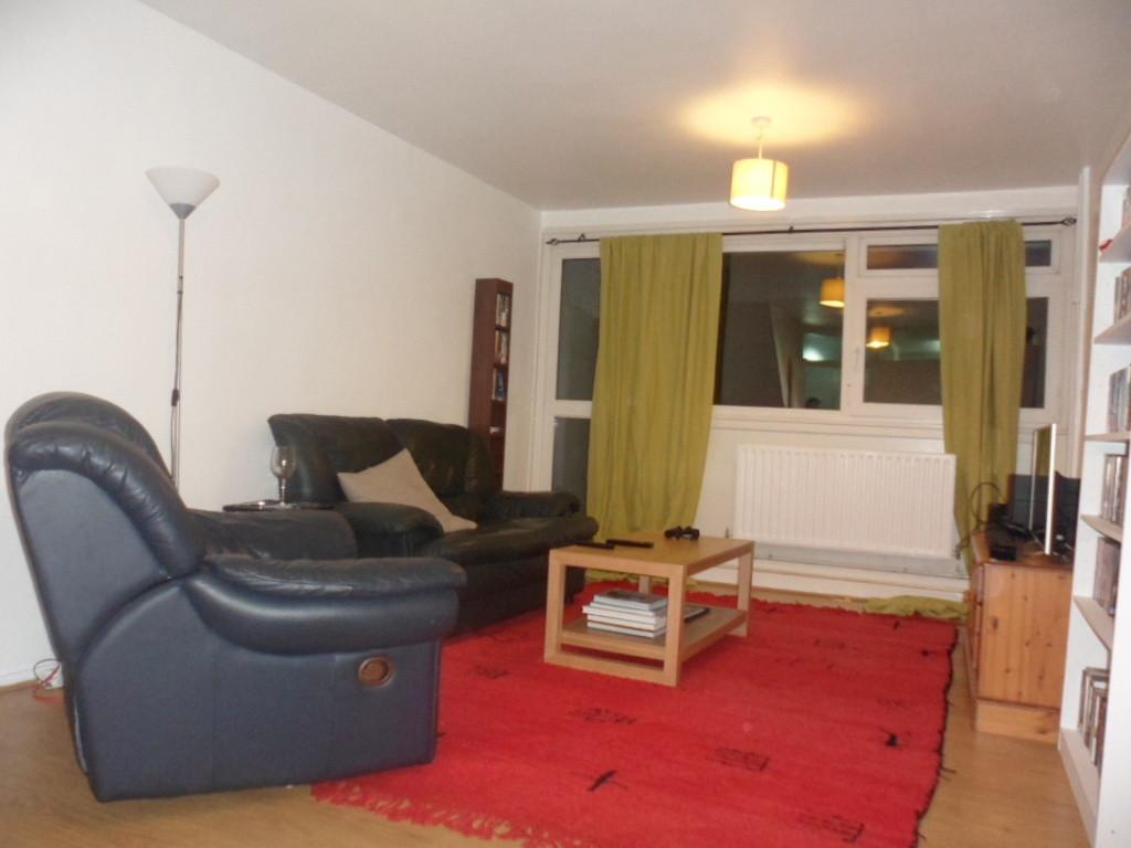 2 Bedrooms Flat for sale in WIMBOURNE HOUSE, DORSET ROAD, LONDON, SW8
