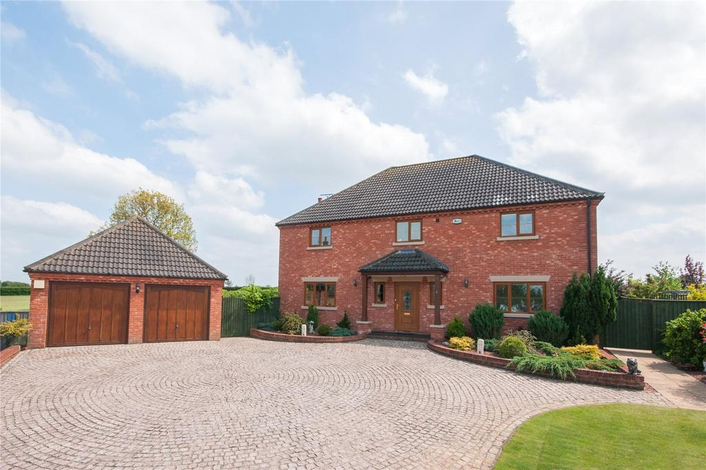 6 Bedrooms Detached House for sale in Dorrs Drive, Watton, Norfolk, IP25