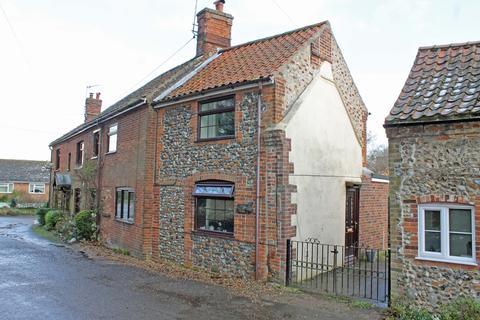 2 bedroom cottage to rent - The Street, Briningham NR24