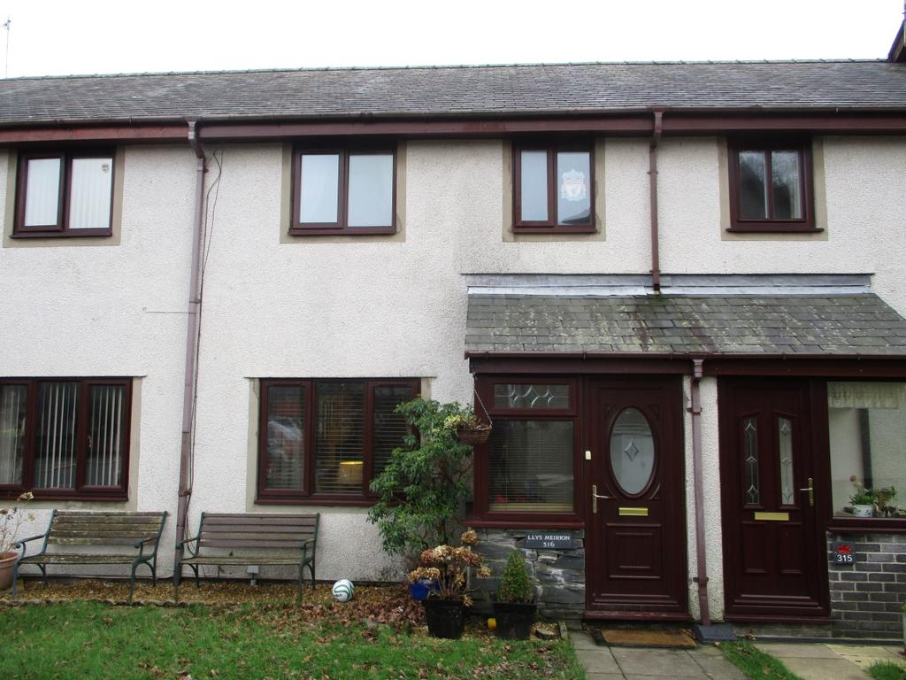 3 Bedrooms Terraced House for sale in 316 Maes y Garth, Minffordd LL48
