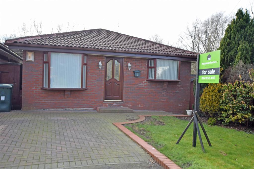 4 Bedrooms Detached Bungalow for sale in Davids Farm Close, Middleton, Manchester