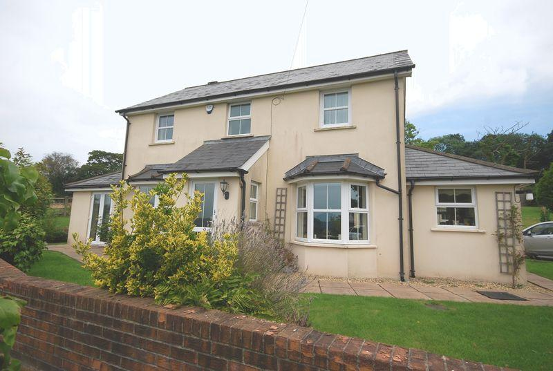 3 Bedrooms Farm House Character Property for sale in Drummau House, Birchgrove,Swansea