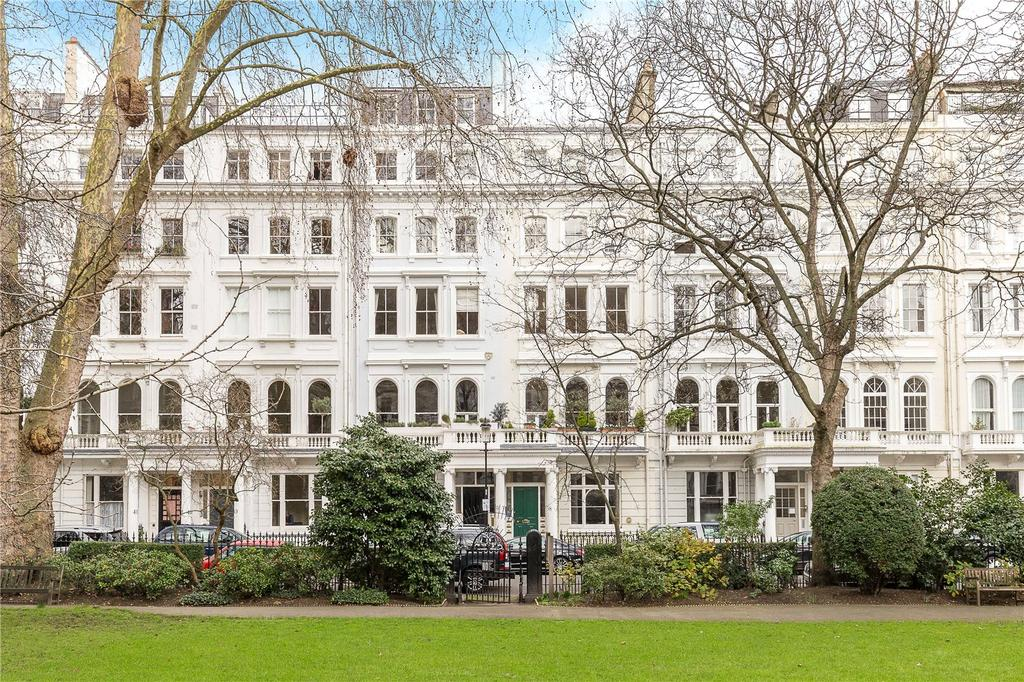 3 Bedrooms Flat for sale in Cornwall Gardens, South Kensington