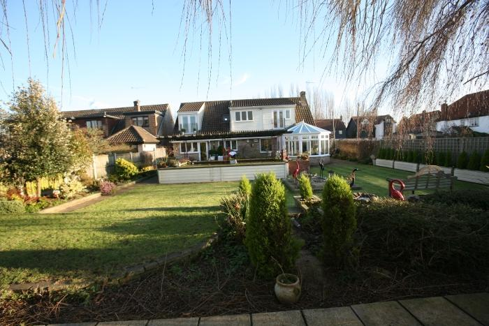 5 Bedrooms Chalet House for sale in DUNMOW ROAD, FYFIELD CM5