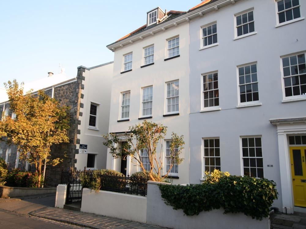 4 Bedrooms End Of Terrace House for sale in St Jean De Luz, 11 Union Street, St Peter Port