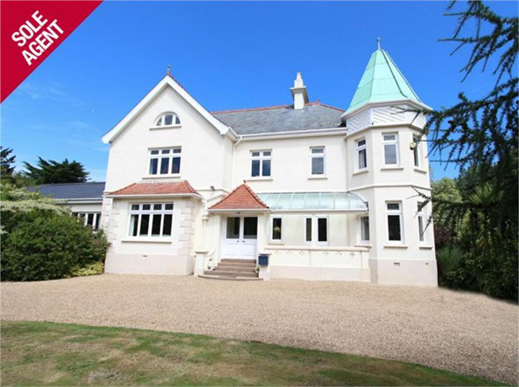 5 Bedrooms Detached House for sale in The Emeralds, Longue Rue, Vale