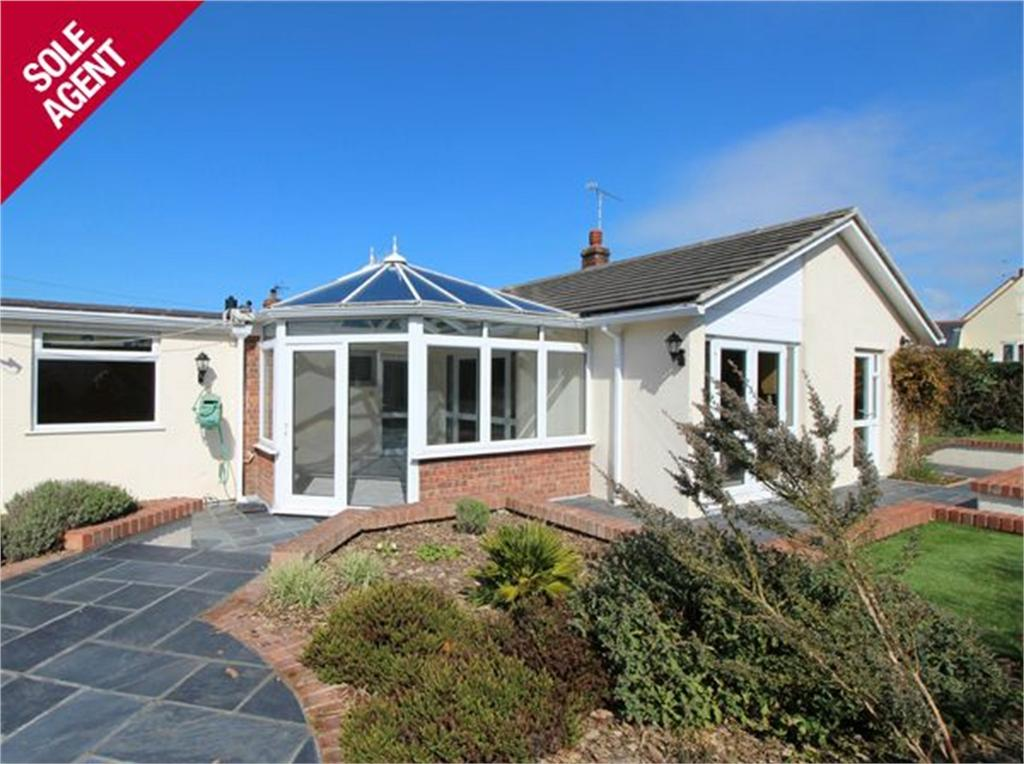 3 Bedrooms Detached Bungalow for sale in Les Fleurs, Le Frie Baton, St Saviour's