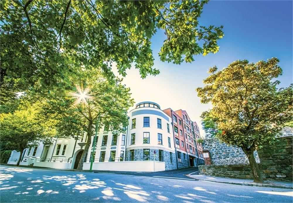 2 Bedrooms Flat for sale in Apartment 2, ONE St Julian's Avenue, St Peter Port, TRP 77
