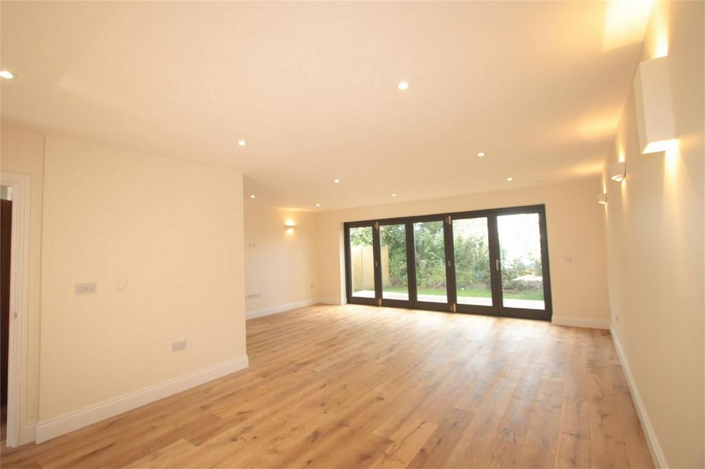 3 Bedrooms Semi Detached House for sale in Quinto, Camellia Drive, Collings Road, St Peter Port