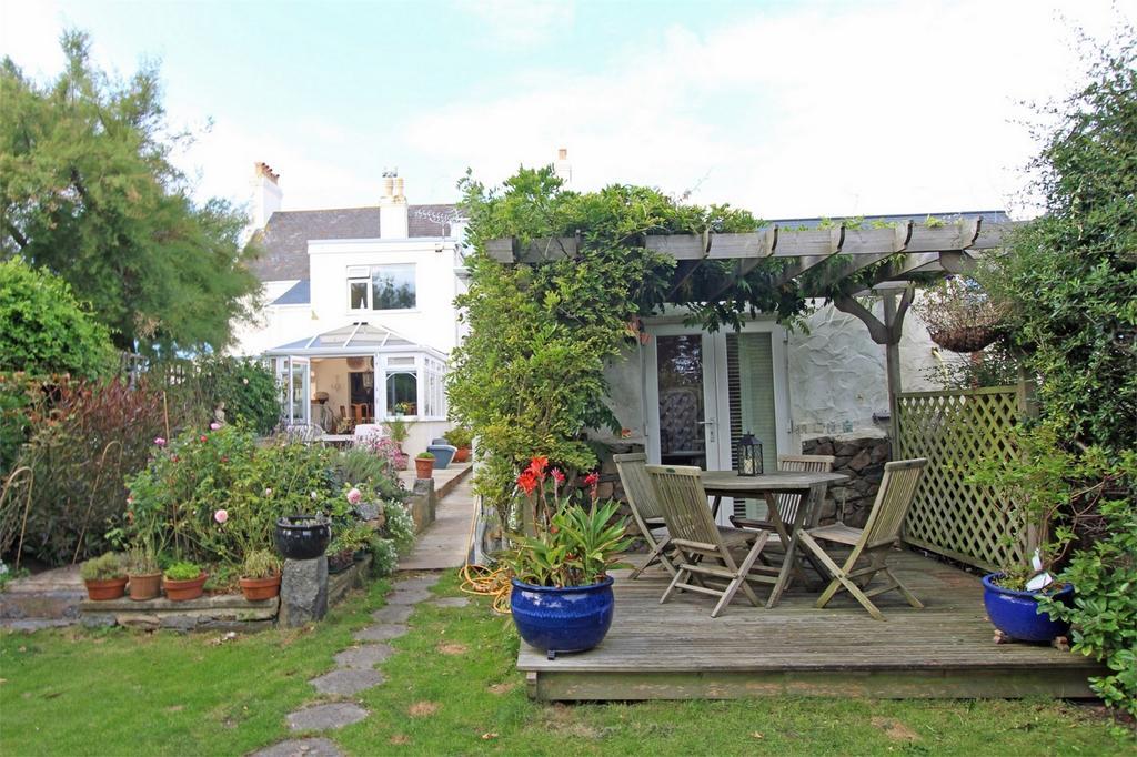 6 Bedrooms Semi Detached House for sale in La Rejouissance, Les Mielles Road, Vale