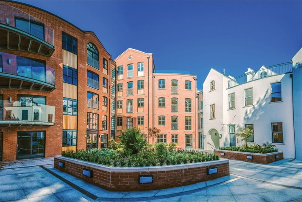2 Bedrooms Flat for sale in Apartment 5, ONE St Julian's Avenue, St Peter Port, TRP 95