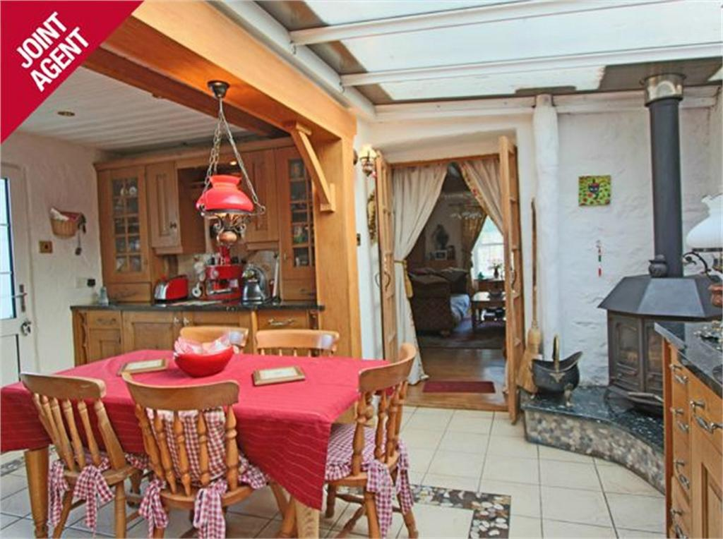3 Bedrooms Detached House for sale in Santa Lucia, Croutes Havilland, St Peter Port, TRP 236