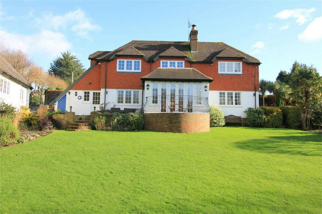 5 Bedrooms Detached House for sale in Saxonwood Road, BATTLE, East Sussex