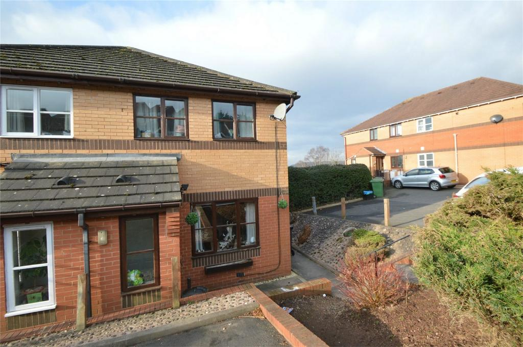2 Bedrooms Semi Detached House for sale in Surrey Drive, KINGSWINFORD, West Midlands