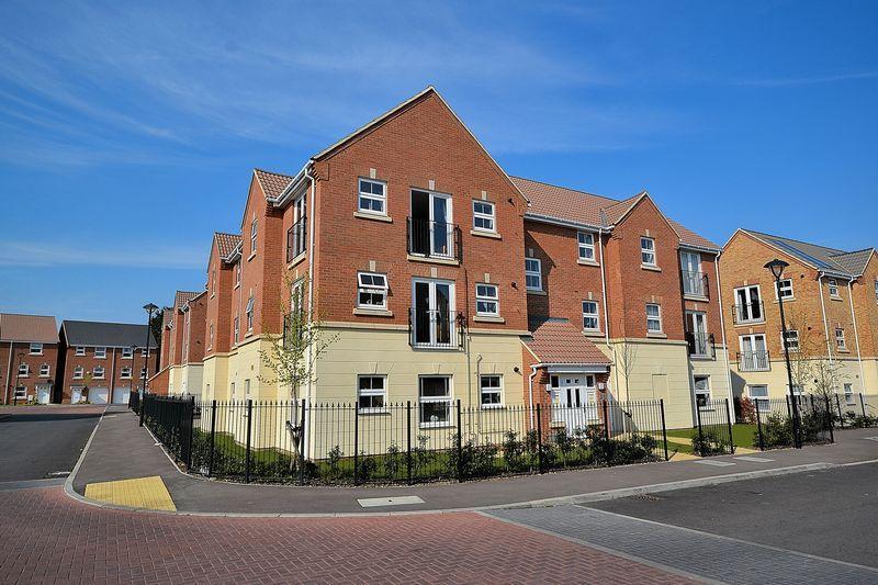 2 Bedrooms Apartment Flat for rent in Drakes Avenue, Leighton Buzzard