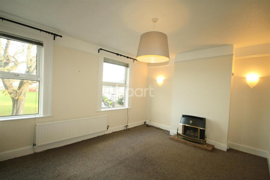 3 Bedrooms Detached House for rent in Leslie Avenue, Taunton
