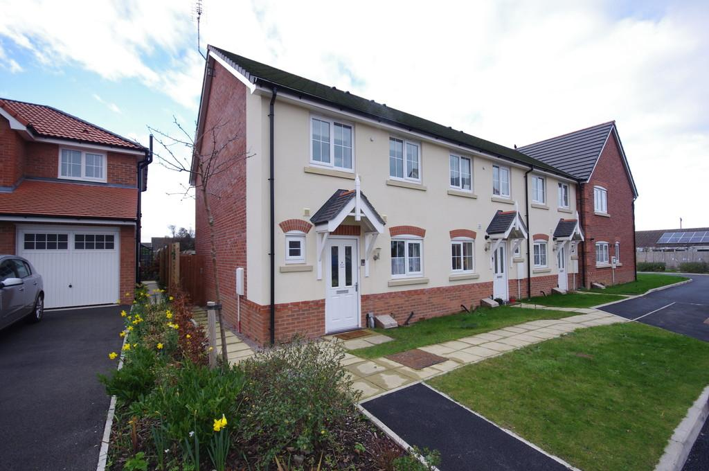 3 Bedrooms End Of Terrace House for sale in Clos St. Ffransis, Prestatyn