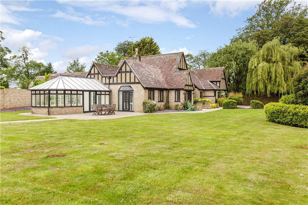 5 Bedrooms Detached House for rent in Crafton, Leighton Buzzard, Buckinghamshire