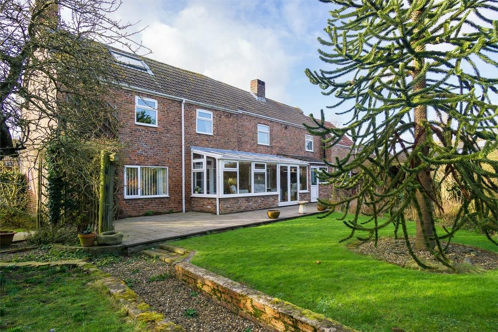 3 Bedrooms Detached House for sale in Northside Road,, Hollym, East Riding of Yorkshire