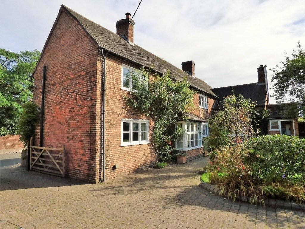 4 Bedrooms Farm House Character Property for sale in Alrewas Road, Kings Bromley, Staffordshire