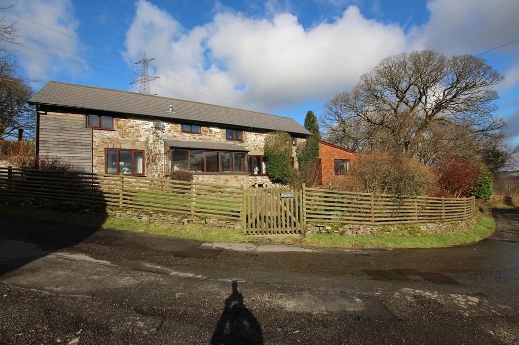 4 Bedrooms Barn Conversion Character Property for sale in Gelliwion Road, Maesycoed, Pontypridd