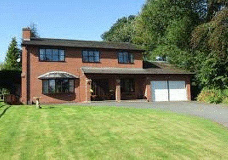 4 Bedrooms Detached House for sale in Llanyre, Llandrindod Wells