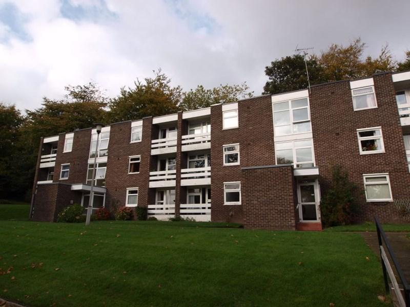 2 Bedrooms Apartment Flat for sale in Eversley Park, Oxton