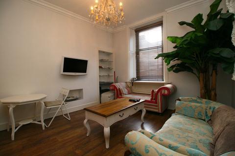 2 bedroom flat to rent - Causewayside, Newington, Edinburgh EH9