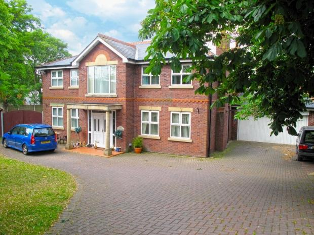 5 Bedrooms Detached House for sale in The Spinney Rainford St Helens