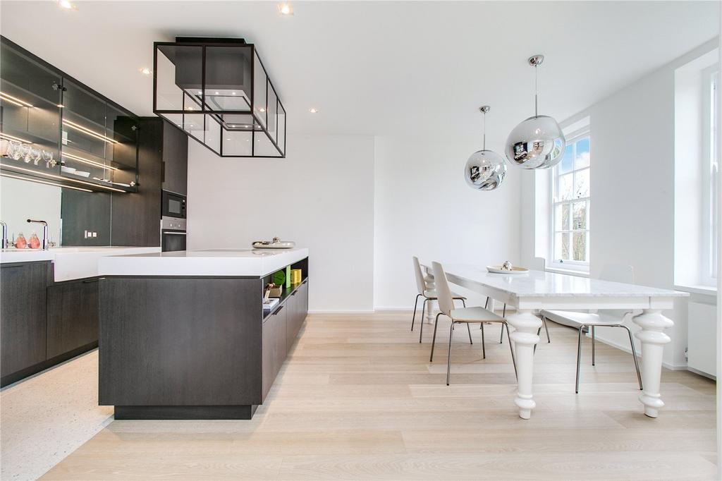 3 Bedrooms Flat for sale in Coleherne Court, The Little Boltons, London