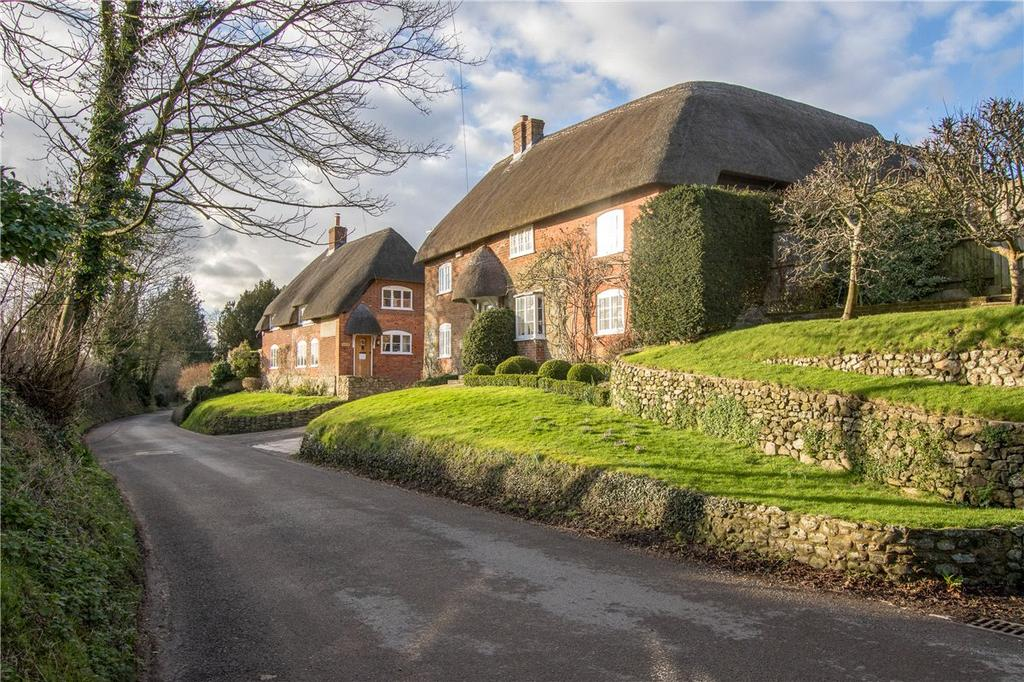 5 Bedrooms Detached House for sale in Woodborough, Pewsey, Wiltshire, SN9