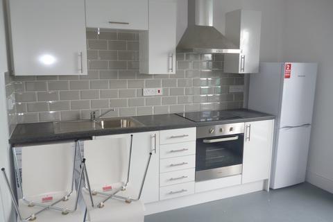 1 bedroom flat to rent - Mansel St, Swansea