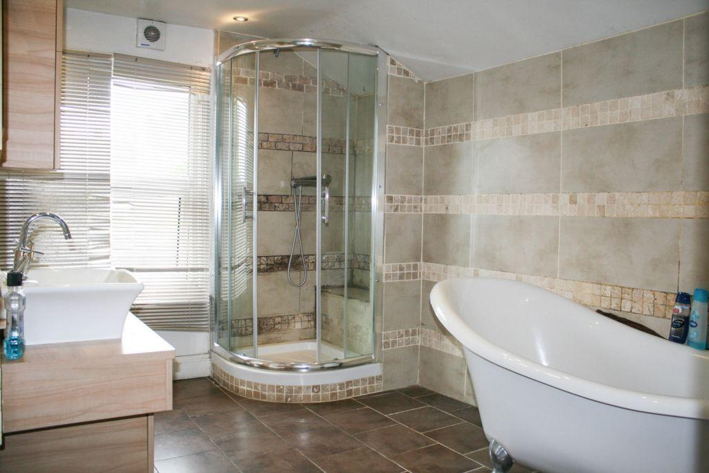 3 Bedrooms House for sale in Eardley Road, Streatham, SW16