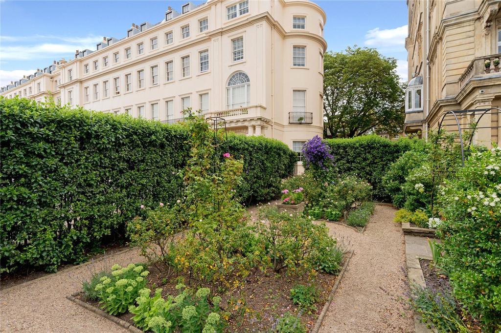 4 Bedrooms Flat for sale in Cambridge Terrace, Regent's Park, London, NW1