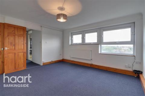 Studio to rent - Owen Waters House - Fullwell Avenue - IG5