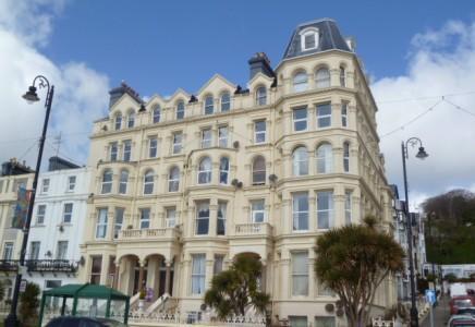3 Bedrooms Apartment Flat for sale in Marlborough Court, Douglas, Isle of Man, IM2