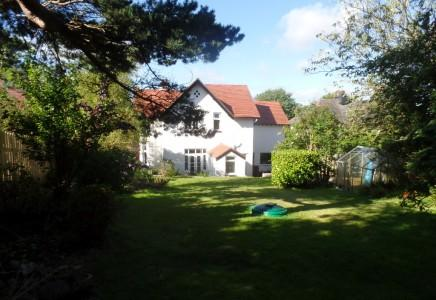 4 Bedrooms Detached House for sale in High View Road, Douglas, Isle of Man, IM2