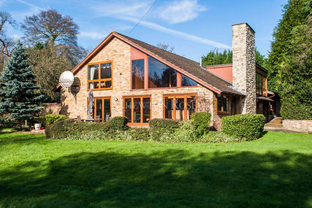 7 Bedrooms Detached House for sale in Burnham, Buckinghamshire