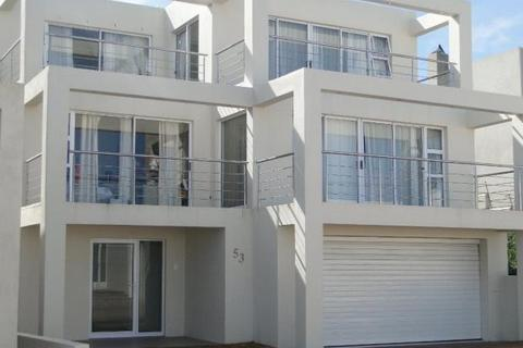 4 bedroom house  - Beautifully Designed Home, Bloubergstrand, Cape Town