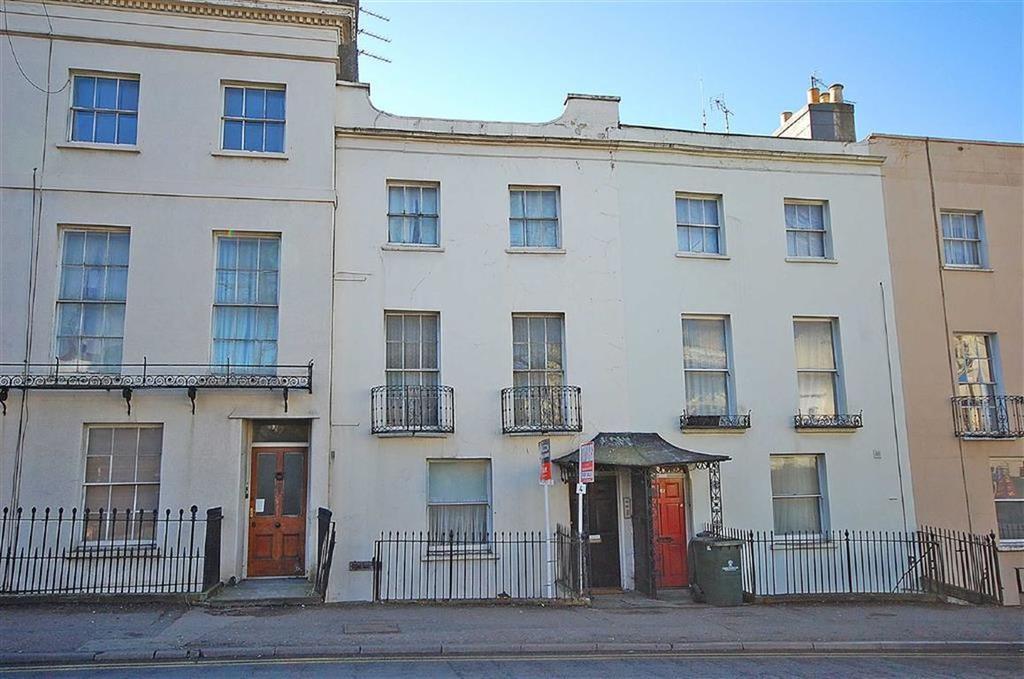 1 Bedroom Flat for sale in London Road, Near Hales Road, Cheltenham, GL52