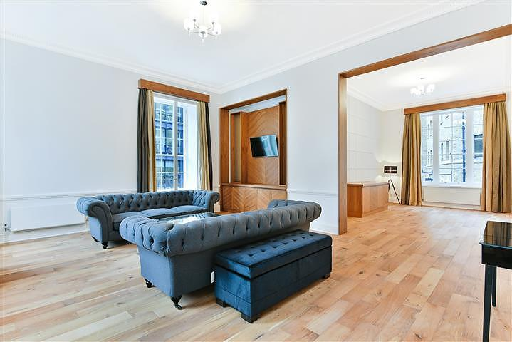 2 Bedrooms Flat for rent in Devonshire Square, The City, London, EC2M