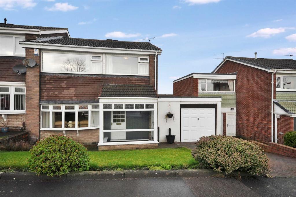 3 Bedrooms Semi Detached House for sale in Brockenhurst Drive, Hastings Hill, Sunderland