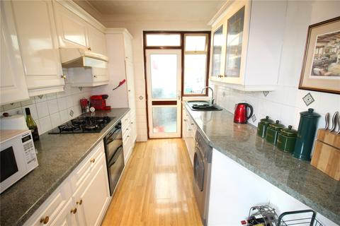 2 bedroom semi-detached bungalow for sale - Barton Road, Hornchurch, RM12