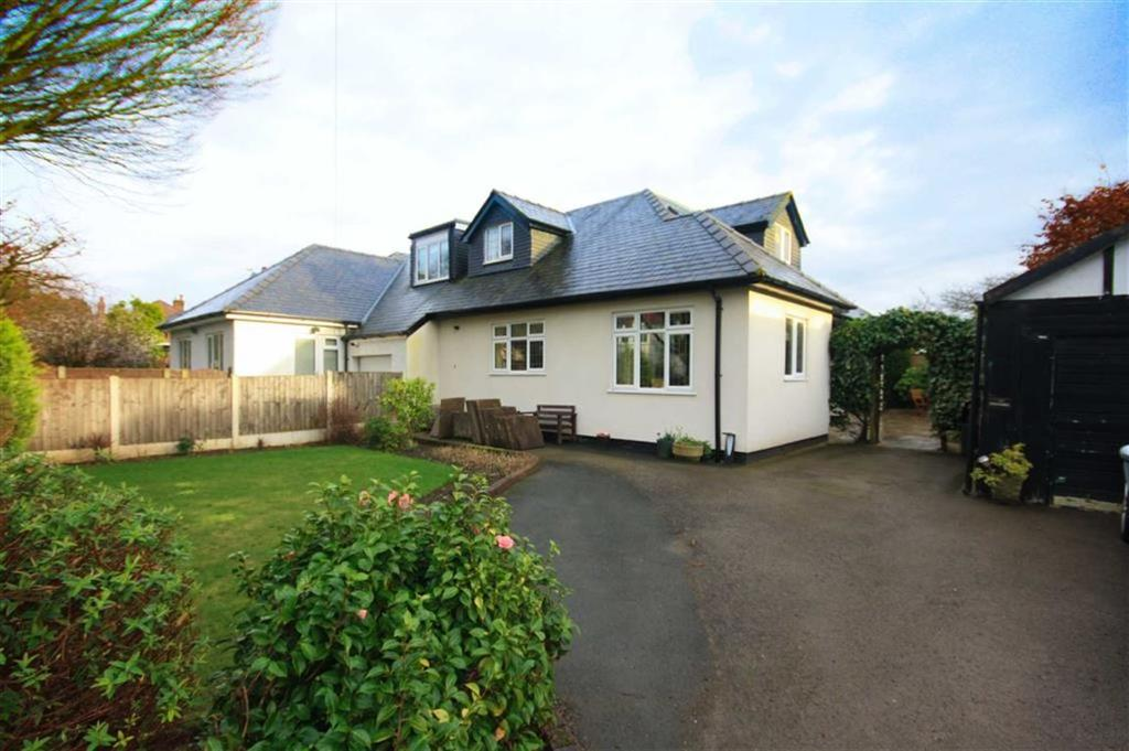3 Bedrooms Semi Detached House for sale in Woodbourne Road, Sale